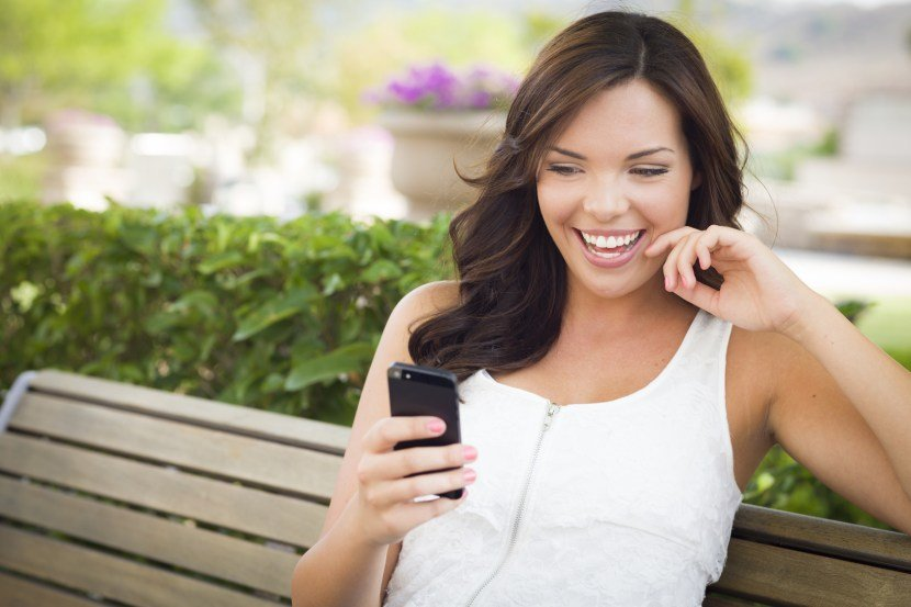 "Should You Text Him First or Wait? ""When to Text a Guy"""