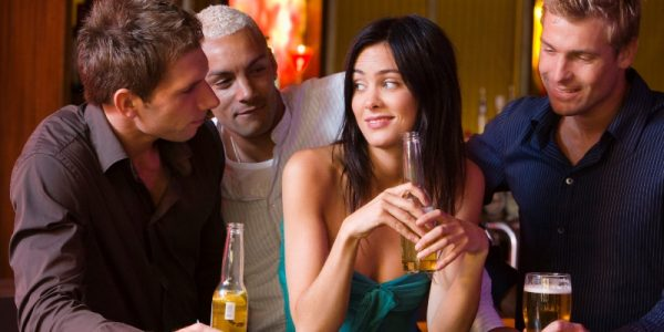 The Lazy Woman's Guide to Becoming a Man Magnet: 4 Can't Miss Moves