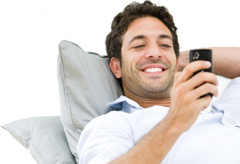 How To Keep A Guy Interested Through Texts Commitment Connection